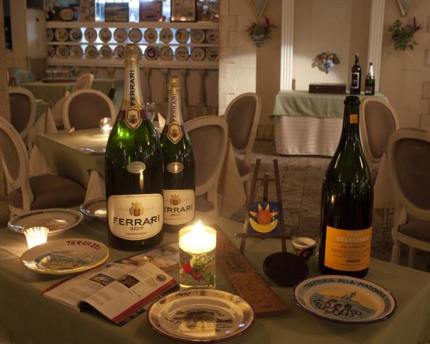 店内写真3:横浜の一軒家レストランで美味しいお料理とワインをどうぞ